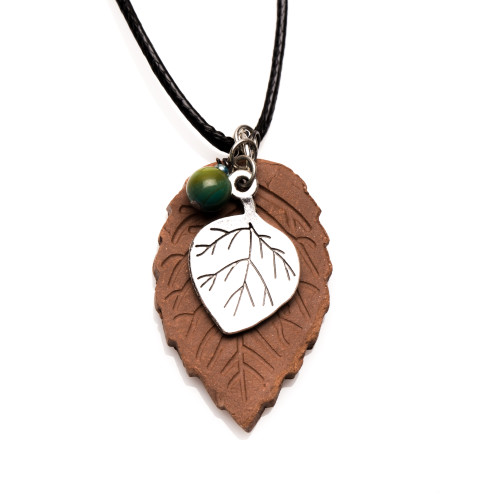 Essential Oil Diffuser Necklace Terracotta Pendant Leaf – Izzybell Jewelry